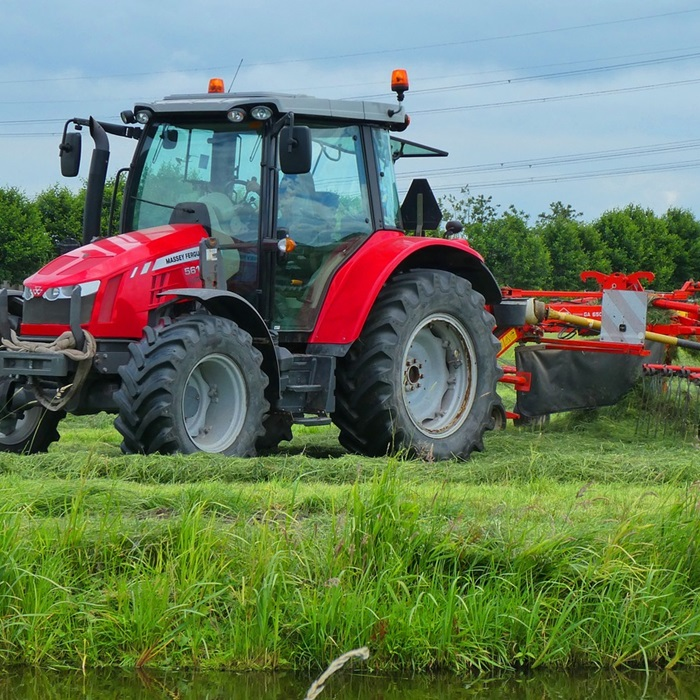 tractor-3492533_1280